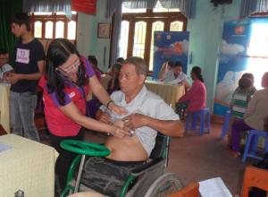 Quảng Ngãi: Khám bệnh và cấp thuốc miễn phí cho 970 người nghèo