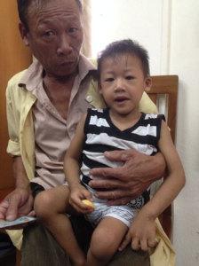 """Gia đình bệnh nhi Nguyễn Văn Bắc gửi thư cảm ơn tới Dự án """"Nhịp nối trái tim"""""""