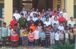 Hội CTĐ huyện Si Ma Cai (Lào Cai): Tổ chức lễ ký kết nhận đỡ đầu trẻ em mồ côi