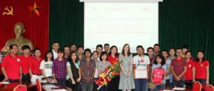Tôn vinh nghĩa cử cao đẹp của nhóm du lịch khám phá Phong Vân
