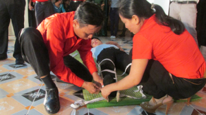"""Hiệu quả lớn từ Hội thi """"Tuyên truyền phòng ngừa thương tích do tai nạn bom mìn"""" năm 2014"""