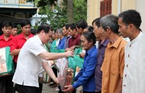 Chùm ảnh: Đoàn bác sĩ tình nguyện Chữ thập đỏ khám bệnh, cấp thuốc miễn phí cho đồng bào nghèo tại tỉnh Hòa Bình