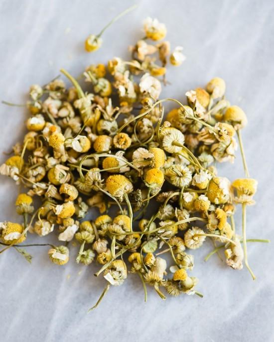 Các loại trà thảo mộc chăm sóc và bảo vệ mái tóc nhuộm