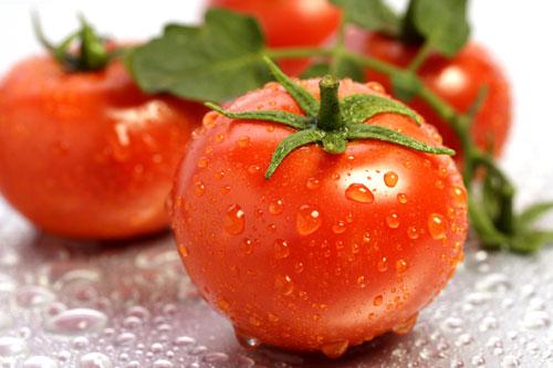Phương pháp tẩy lông mặt bằng cà chua hiệu quả