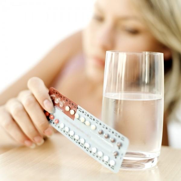 Cẩn trọng khi dùng thuốc tránh thai hằng ngày