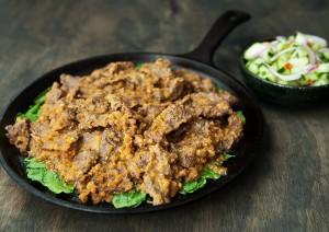 Cách làm món thịt bò xào sốt đậu phộng vừa mềm vừa ngon