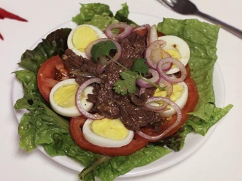 Cách làm Salad trộn thịt bò thanh mát