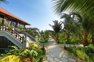 khu-nghi-duong-Saigon-Emerald-phan-thiet-iVIVU.com-3-1024x682