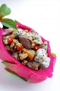 Cách làm món thịt bò xào thanh long