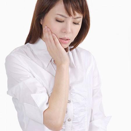 Kết quả hình ảnh cho Sử dụng cây đinh hương để chữa đau răng
