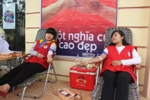 """Lào Cai: Tổ chức Lễ phát động """"Chiến dịch vận động hiến máu tình nguyện dịp Tết Nguyên đán"""" năm 2015"""