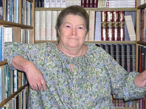 Colleen-McCullough_w_480