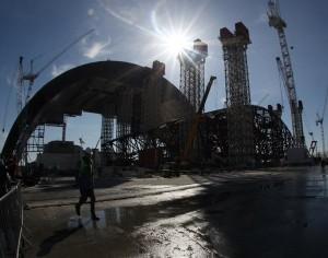 Gấp rút xây mái vòm khổng lồ, an toàn cho Chernobyl