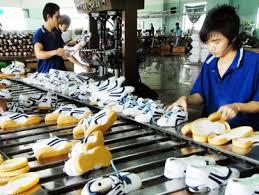 Đặt mục tiêu xuất khẩu 14 tỷ USD năm 2015 ngành da giày
