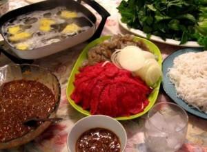 [ Bò Nhúng Dấm 3 ] Bước 1 : Thái mỏng và chuẩn bị nguyên liệu rau củ