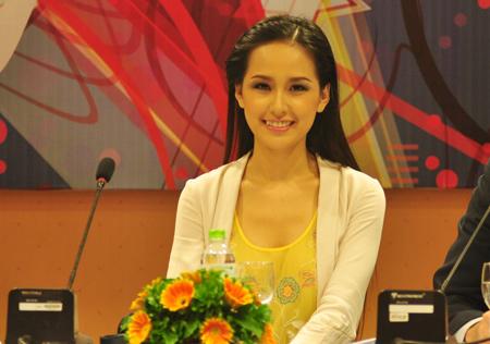 thuocbothan.vn-mai-phuong-thuy-ban-ve-bao-cao-su-1