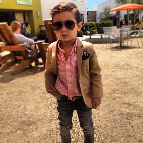 Phong cách bé sành điệu với đồ vest