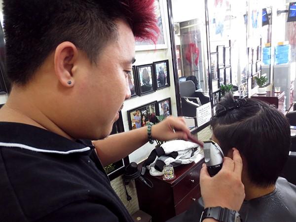 Cách tạo kiểu tóc nam với Wax