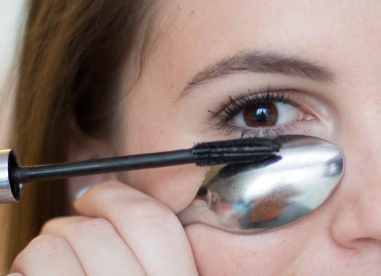 Các mẹo sử dụng mascara chải chuốt lông mi hoàn hảo