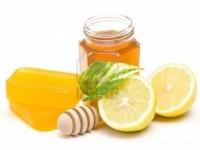 Mách bạn 3 tuyệt chiêu làm trắng da mặt dầu với mật ong