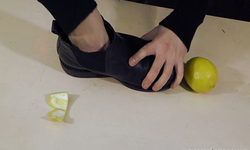 cách khư mùi hôi giày