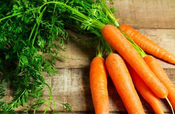 Cách trị mụn nhanh nhất bằng cà rốt