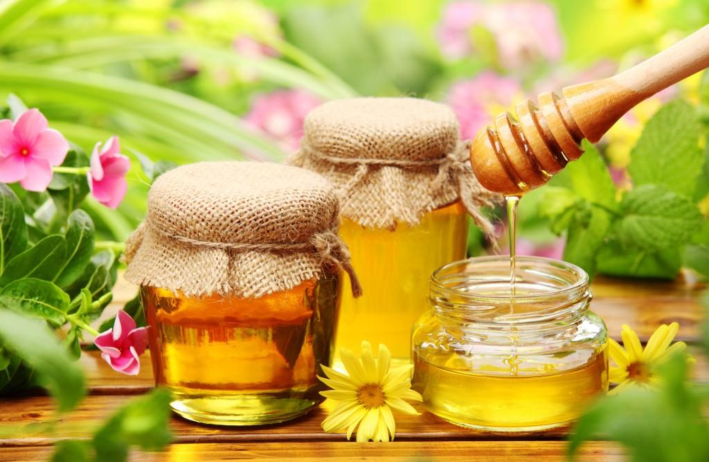 Cách trị mụn nhanh nhất bằng mật ong nguyên chất