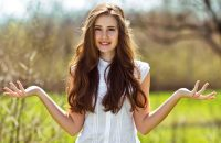 Bí quyết bảo vệ mái tóc chắc khỏe trong mùa hè