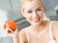 Cách tắm trắng với cà chua siêu an toàn tại nhà