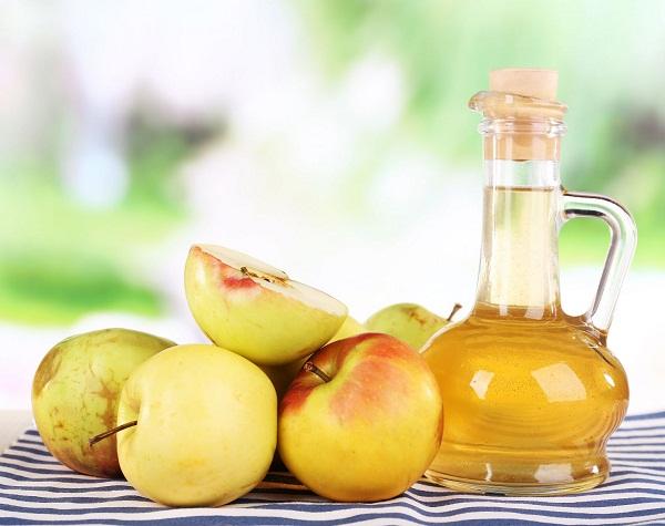 Cách trị nám da với tỏi kết hợp giấm táo