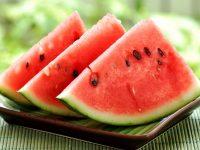 3 loại mặt trị mụn từ trái cây mùa hè