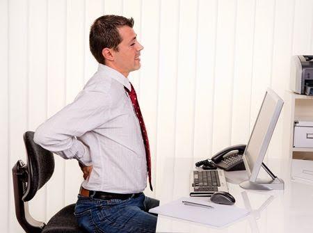 Bị trĩ sẽ khiến ảnh hưởng đến năng suất làm việc và hạn chế sinh hoạt hàng ngày