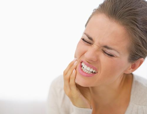 Mẹo chữa chảy máu chăn răng ngay tức khắc