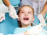 Mẹo chăm sóc sau khi nhổ răng sữa cho bé