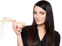 Hé lộ cách trị rụng tóc bằng tỏi ít người biết