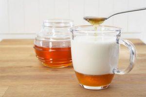 Mật ong và sữa tươi giúp tăng cân