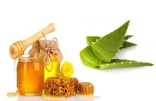 Làm đẹp da nhờ dưỡng chất nha đam và mật ong