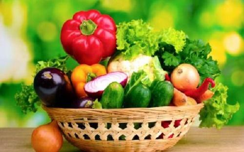 Rau xanh và hoa quả tươi tốt cho bệnh viêm phế quản