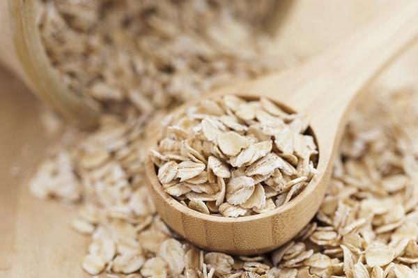 Bật mí cách trị mụn bằng bột yến mạch và sữa tươi đơn giản an toàn