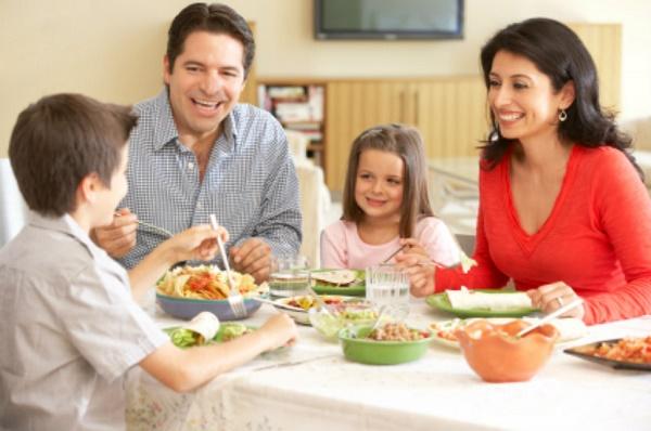 Tạo không khí ăn ngon miệng trong gia đình