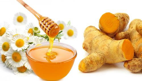Mặt nạ trị nám bằng mật ong và củ nghệ