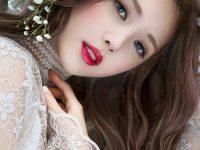 Cách trang điểm cô dâu nhấn mạnh vào bờ môi
