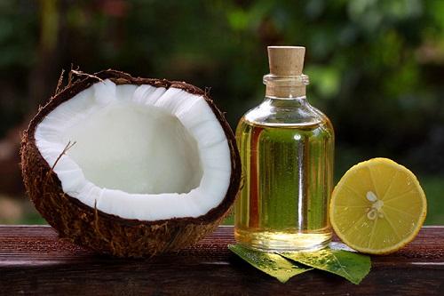 trị nám bằng dầu dừa