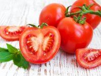 Cà chua giàu Vitamin C, A và chứa hàm lượng lớn chất chống ô xy hóa, khoáng chất quan trọng
