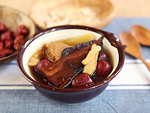 Chè nấm linh chi là món ăn bổ dưỡng