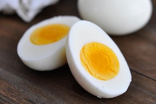 Cách dùng trứng gà chữa yếu sinh lý