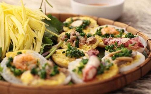 Bánh căn món ăn ngon ở Nha Trang bạn nên thử