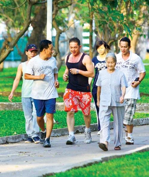 Đi bộ tốt cho bệnh nhân tiểu đường