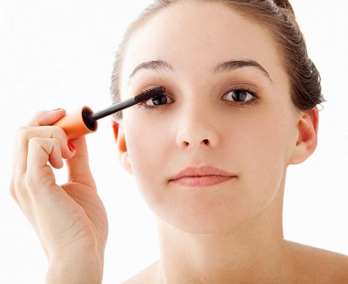 Cách trang điểm cho mắt cận