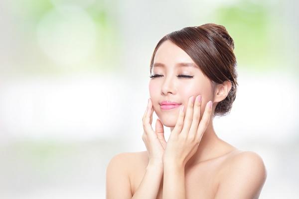 Tăng cường độ ẩm để điều tiết dầu thừa cho da